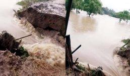 মুহুরী নদীর বন্যা নিয়ন্ত্রণ বাঁধে ভাঙন ১৩ গ্রাম প্লাবিত